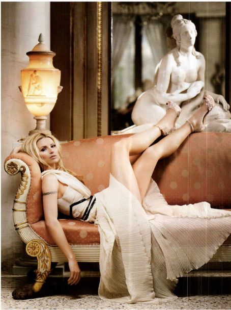 Anchor Michelle Hunziker Vanity Fair Italy March 2012