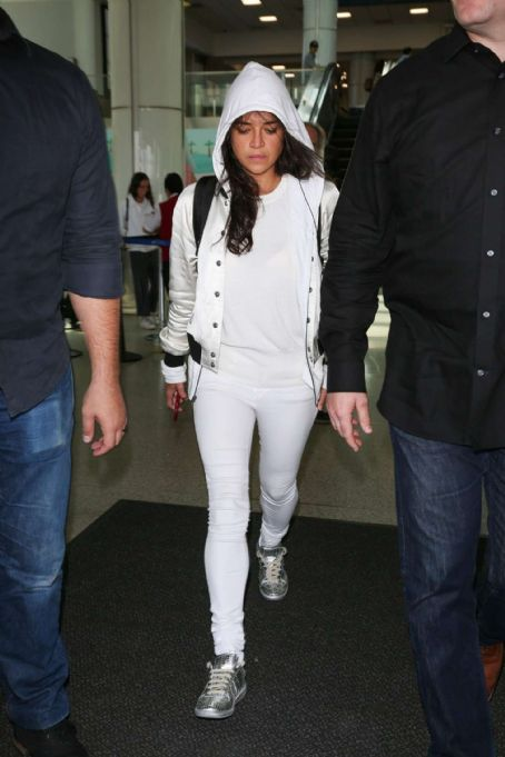 Michelle Rodriguez – Arrives at LAX Airport in LA