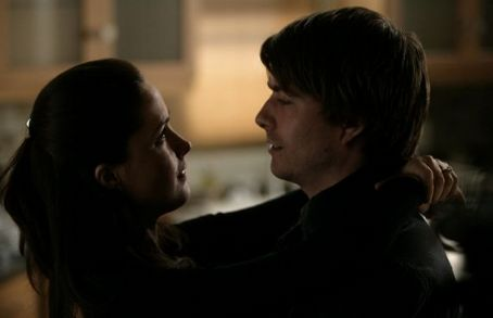 Noah Bean Ellen (Rose Byrne) and David () in Damages.