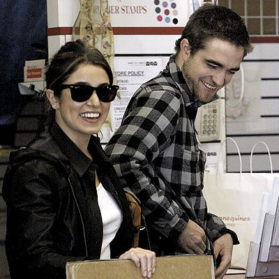 Nikki Reed Robert Pattinson on Nikki Reed And Robert Pattinson Pics   Nikki Reed And Robert Pattinson