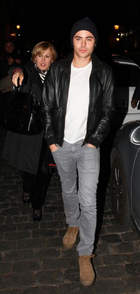 Zac Efron: at a nearby restaurant