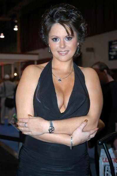 Jewel De'Nyle