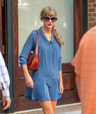 Taylor Swift - AUGUST 31 -  TAYLOR SWIFT OUT IN NEW YORK CITY