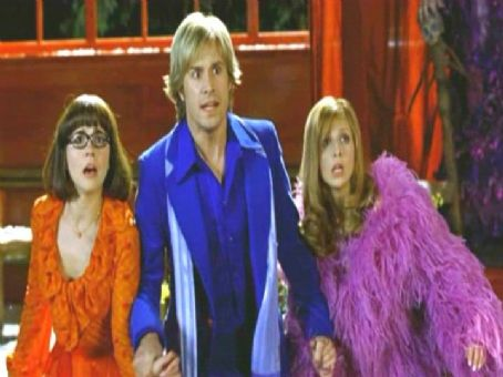 Daphne Linda Cardellini, Freddie Prinze Jr. and Sarah Michelle Gellar in Warner Bros' Scooby-Doo 2: Monsters Unleashed - 2004