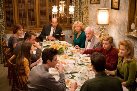 Flipped (Clockwise from bottom left) MICHAEL CHRISTOPHER BOLTEN as Mark Baker, MADELINE CARROLL as Juli Baker, AIDAN QUINN as Richard Baker, PENELOPE ANN MILLER as Trina Baker, ANTHONY EDWARDS as Steven Loski, REBECCA DE MORNAY as Patsy Loski, JOHN MAHONEY as Che