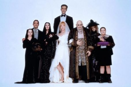 Morticia Addams Christopher Lloyd, Carel Struycken, Raul Julia, Joan Cusack, Anjelica Huston, Carol Kane, Christina Ricci, Jimmy Workman, Joan Cusack in Addams Family Value (1993)