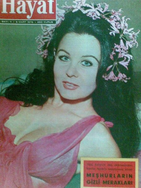 Fatma Girik - Hayat Magazine Cover [Turkey] (9 March 1972)