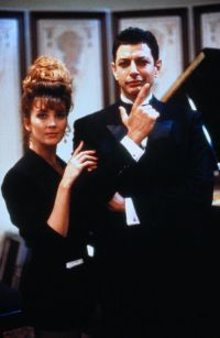Natasha Richardson and Jeff Goldblum in The Favour, the Watch and the Very Big Fish (1991)