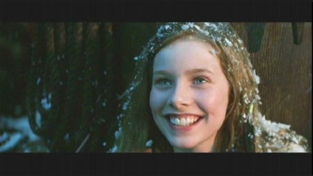 Wendy Darling Rachel Hurd Wood as  in P.J. Hogan's adventure Peter Pan also starring Jason Isaacs and Lynn Redgrave - 2003