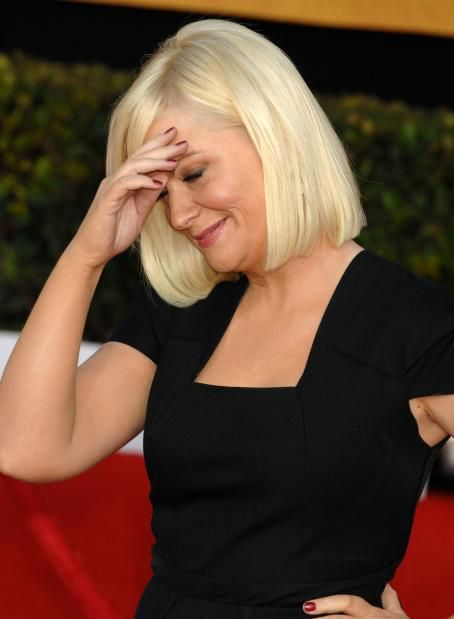 Amy Poehler - 17 Annual Screen Actors Guild Awards at The Shrine Auditorium on January 30, 2011 in Los Angeles, California