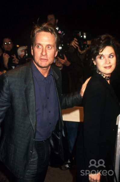 Elizabeth Vargas  and Michael Douglas
