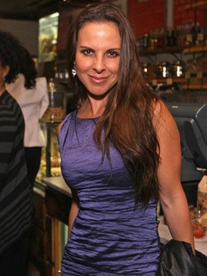 Kate Del Castillo Voices Kids iPad App