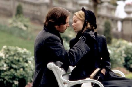 Samantha Mathis and Christian Bale