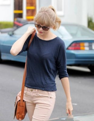 Taylor Swift - May 1 - Leaving a friend's house in Hollywood, California