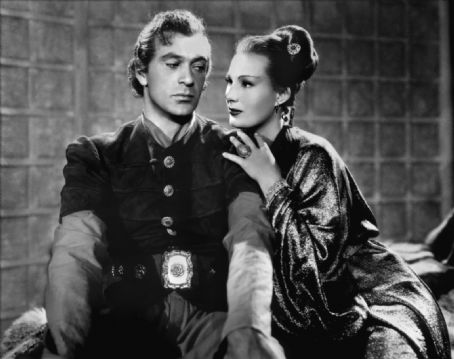 Sigrid Gurie and Gary Cooper in The Adventures of Marco Polo