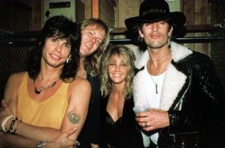 Tom Hamilton Heather Locklear and Tommy Lee with Steven Tyler and