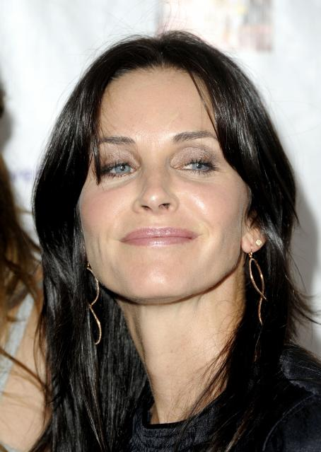 Courteney Cox - BraveHeart Awards For Brave Hearts At The Westin Hotel LAX On October 3, 2009 In Los Angeles, California
