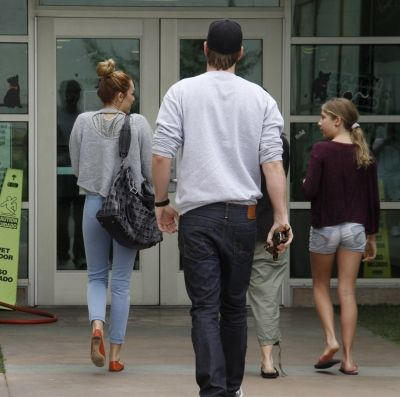Miley Cyrus and Liam Hemsworth at East Valley Animal Care Center (May 11)