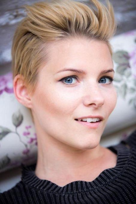 Jana Dowling - m5yklf26vml5m5yv