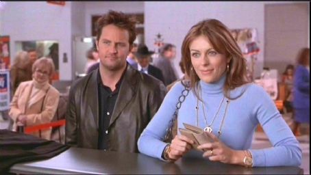 Elizabeth Hurley and Matthew Perry - Matthew Perry and Elizabeth Hurley in Serving Sara - 2002