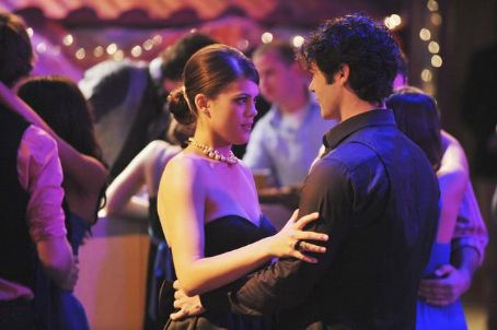 Lindsey Shaw And Ethan Peck Lindsey Shaw and Ethan Peck