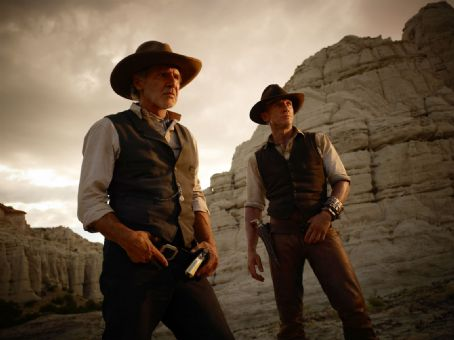 Cowboys & Aliens Harrison Ford as Col. Woodrow Dolarhyde with Daniel Craig as Jake Lonergan in Universal Pictures' Cowboys and Aliens.