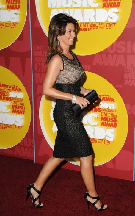 Shania Twain: 2011 CMT Music Awards Red Carpet