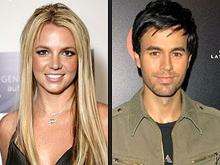 Britney Spears Announces Tour with Enrique Iglesias