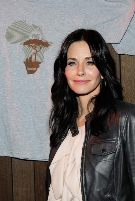 Courteney Cox - Launch Party For Save Darfur Coalition In Santa Monica - December 17, 2009
