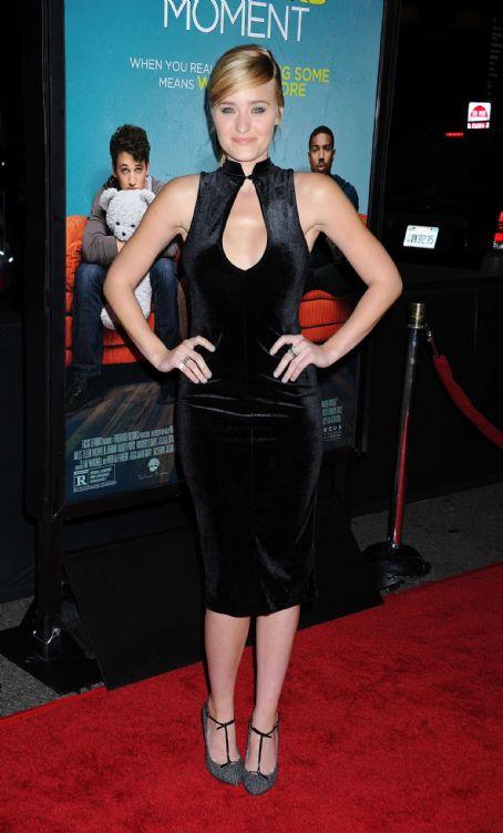 Amanda Michalka Amanda Aj Michalka That Awkward Moment Premiere In Los Angeles