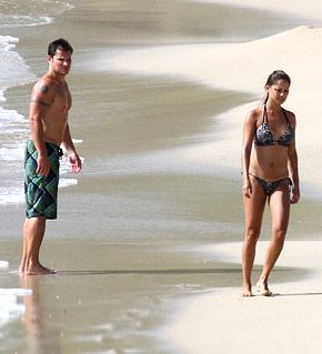 Vanessa Minnillo, Nick Lachey Strip Down for Super-Sexy Honeymoon
