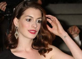 Anne Hathaway's Jewelry Goes to Auction