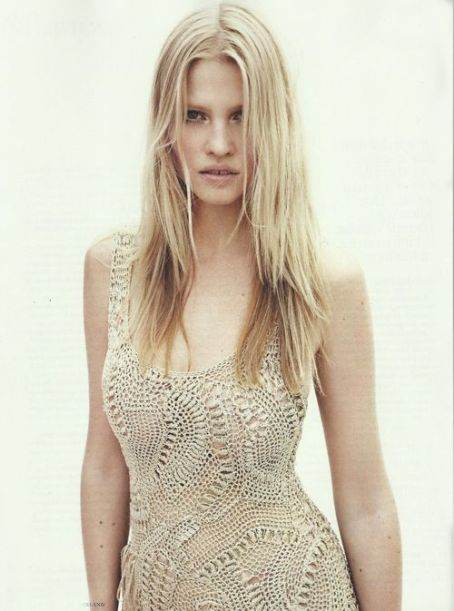 Lara Stone - Vogue Magazine Pictorial [Netherlands] (May 2012)