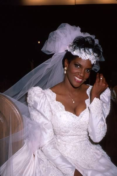 Anna Maria Horsford Actress  wearing wedding dress for her role on her television series