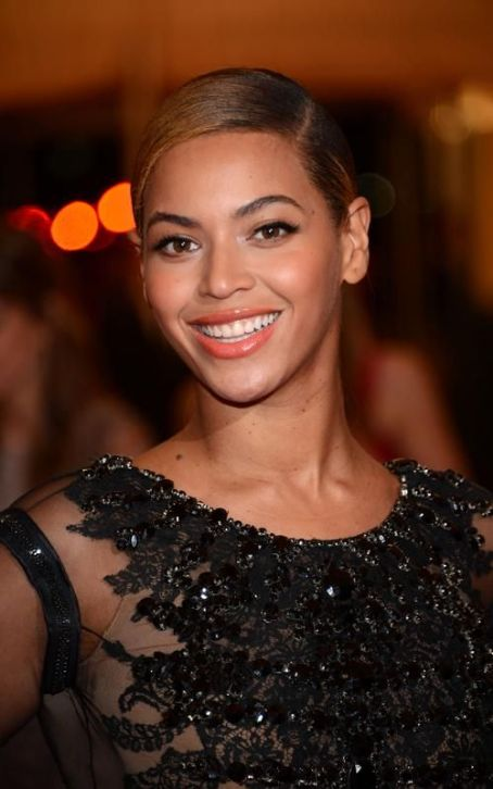 Beyoncé Knowles - Beyonce: Givenchy Gorgeous at the 2012 Met Gala