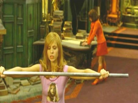 Daphne Sarah Michelle Gellar in Warner Bros' Scooby-Doo 2: Monsters Unleashed - 2004