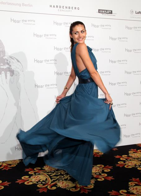 "Fiona Erdmann - ""Hear The World Awards"", Berlin 2010-10-16"