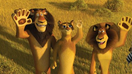 "Sherri Shepherd (Left to right) Alpha lion Zuba (BERNIE MAC), his wife (SHERRI SHEPHERD) and his son, Alex (BEN STILLER) bid the no-longer-marooned tourists adieu in DreamWorks' ""Madagascar: Escape 2 Africa."" Photo credit: Madagascar: Escape 2 Africa ™"