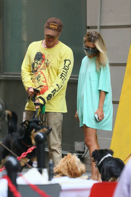 Emily Ratajkowski and Sebastian Bear-McClard take Columbo out for a walk in NYC