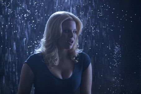 Megan Hilty Smash (2012)