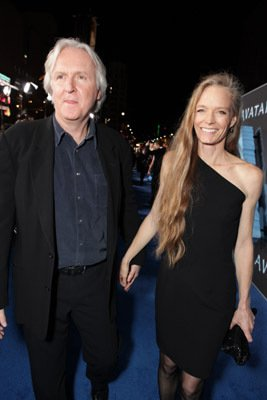 Suzy Amis Avatar Photo Gallery