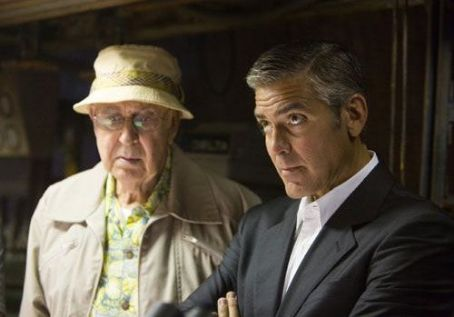 Carl Reiner Saul Bloom () with Danny (George Clooney) in Warner Bros. Pictures' Ocean's Thirteen - 2007