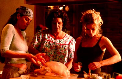 Lainie Kazan Julianna Margulies,  and Kyra Sedgwick in Trimark's What's Cooking? - 2000