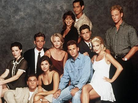 Tiffani Thiessen and Ian Ziering Brian Austin Green, Jason Priestley, Jennie Garth, Jamie Walters, Luke Perry, Tiffani Thiessen, Tori Spelling, Gabrielle Carteris, Mark Damon Espinoza, Ian Ziering and Kathleen Robertson in Beverly Hills, 90210 (Fifth Season) (1995)