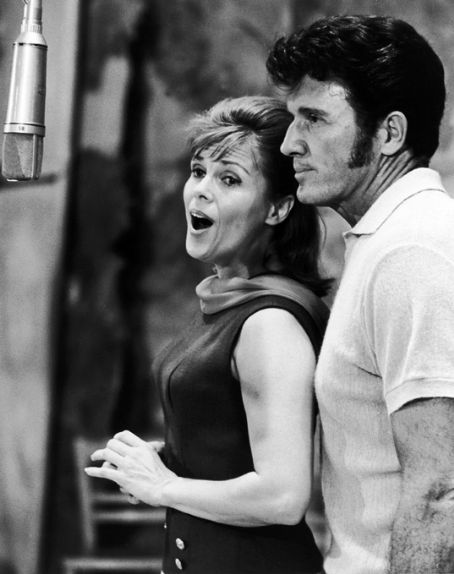 Richard Rodgers - JOHN RAITT AND ELLEN CHRISTY RECORD SONGS FOR THE 1965 MTLC REVIVEL OF 'CAROUSEL'