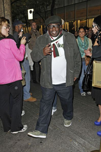 "Cedric the Entertainer - Cedric The Entertainer is seen posing for photos and signing autographs after appearing on the""Late Night with Jimmy Fallon Show"" in New York"