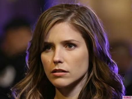 Sophia Bush Takes Aim at Her Online Stalker, a Two-Headed Sarah Paulson: A Roundup