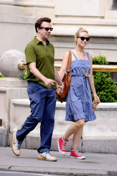 Olivia Wilde and Jason Sudeikis Get Cozy on a Walk