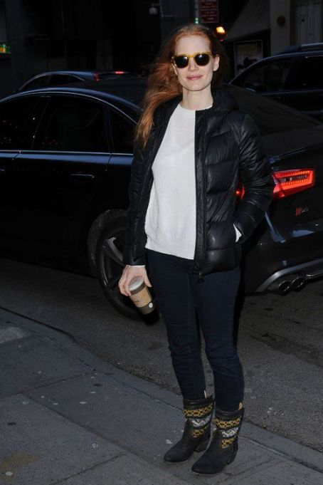 Jessica Chastain arrived at the Walter kerr Theater