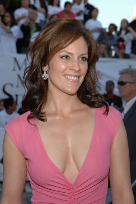 Annabeth Gish - Mr.& Mrs. Smith Premiere